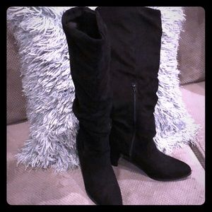 Tall slouchy suede boots never worn